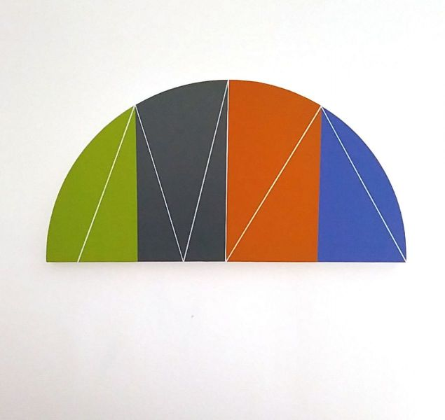 Halbkreis mit vier Farbfeldern-Christian Eder