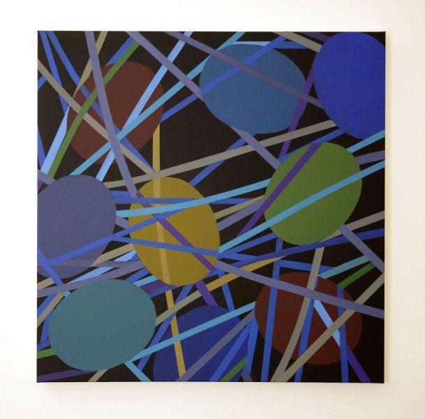 Formation aus farbig ausgeführten und übereinander geschichteten Ovalen auf Leinwand