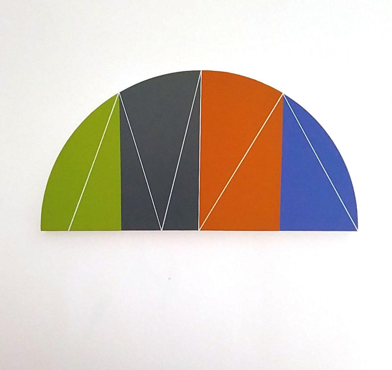 Halbkreis mit vier Farbfeldern